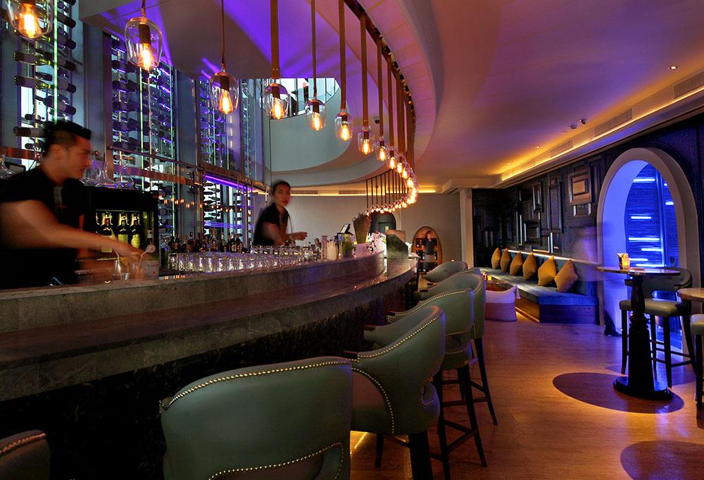 bangkok-restaurant-uno-mas-wine-cellar-21