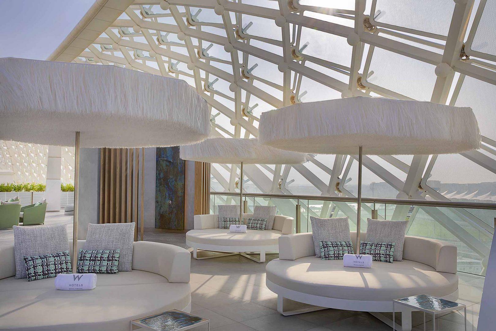 W Abu Dhabi - Yas Island - WET Deck Sunloungers
